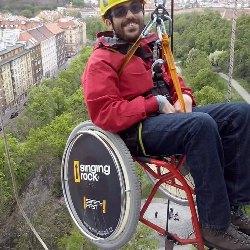 """""""Za uzdravení se nemodlím, mé postižení je viditelným znamením, že svět je porušen hříchem a potřebuje Spasitele,"""" říká Pavel."""