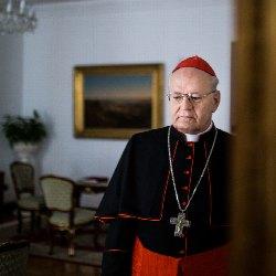 Kardinál Péter Erdő: Eucharistie je zdrojem milosrdenství, které se šíří za zdi kostela
